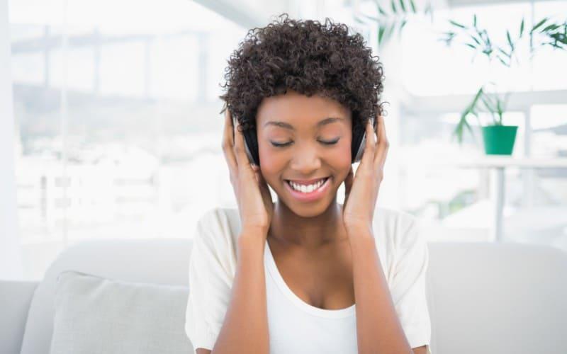make-money-listen-to-music