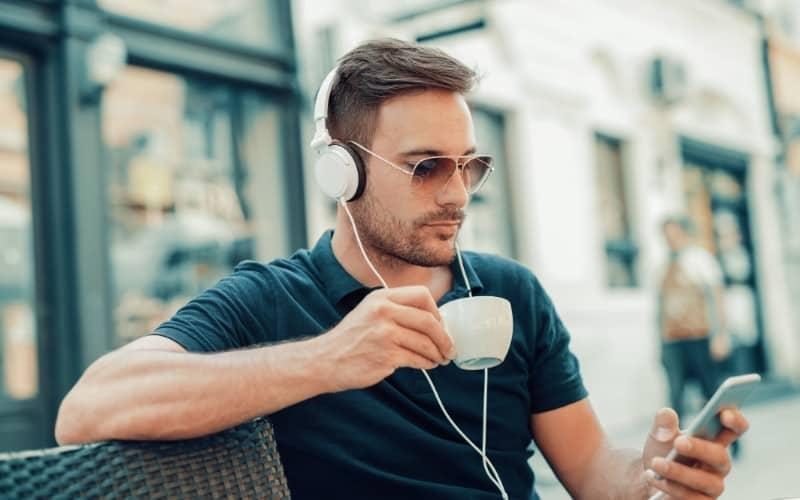money-listening-to-music